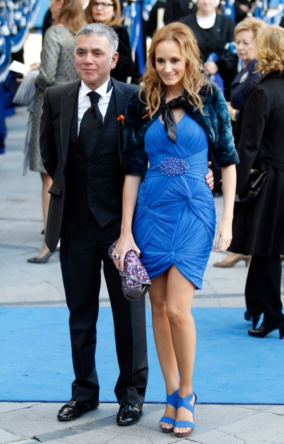 La alfombra azul se llena un a�o m�s de glamour antes de la ceremonia de entrega de los Premios Pr�ncipe de Asturias 2011.